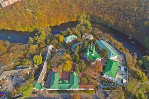 Съемка с дрона Аэрофотосъемка Киева 2011. Свято-Троицкий Китаевский мужской монастырь с высоты птичьего полета