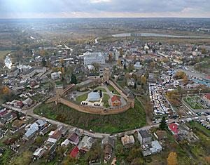 Съемка с дрона Аэрофотосъемка замок Любарта с высоты. Луцк, Украина