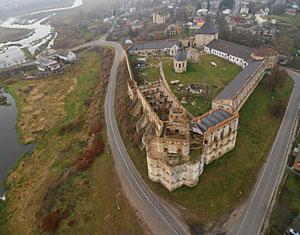 Съемка с дрона Аэрофотосъемка замок Меджибож. Хмельницкая область, Украина